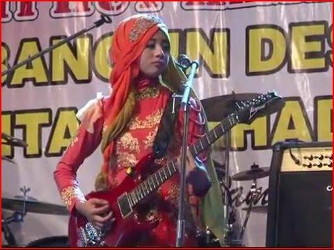 Kereta Jawa a.k.a Kelayung-layung - Qasima Live Perform at Bojonegoro