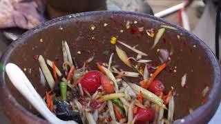 ส้มตำล้นครก 35 บาท ถ้าไม่รวยก็บ้า ร้านเจ้เล็กส้มตำยำ3ครก Somtum 35 Baht Yum Spicy Seafood Salad Thai