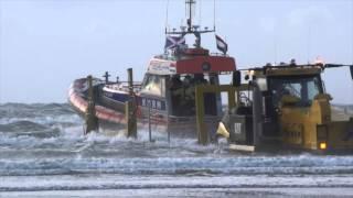 HABBEKE SHIPYARD BEACH LAUNCH CATERPILLAR CHALLENGER