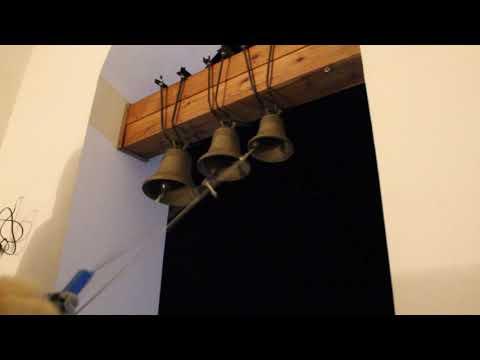 Descargar Video Звон на колокольне храма Святителя Николая в деревне Торошино 24 января 2016 года