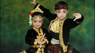 Download lagu Jaipong Aduh Manis AUREL & GHIFARI Kelas 2 dan 3 SD