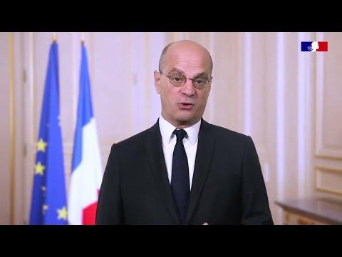 وزير التربية الفرنسي يعلق على مقتل معلم عرض كاريكاتورا للنبي محمد