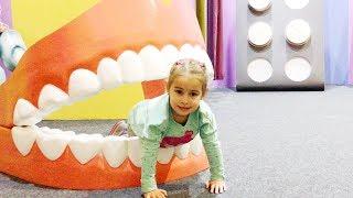 Дом Великана Алина играет Развлечения для детей Funny Entertainment  Indoor Playground for kids