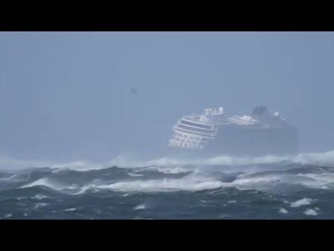 KREUZFAHRTDRAMA: Erschöpfte und glückliche Passagiere - Viking Sky erreicht Hafen