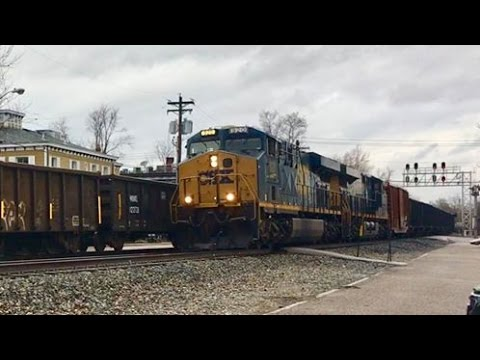 2 Trains Passing, Ex Baltimore & Ohio Railroad Mainline!  Rainy Day Railfanning Glendale Ohio!