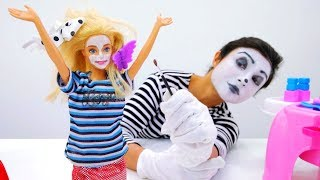 Crazy makeup & hairstyle for Barbie