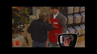 Elton ferngesteuert im Baumarkt - TV total