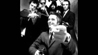 Kaizers Orchestra - Den andre er meg [lyrics]
