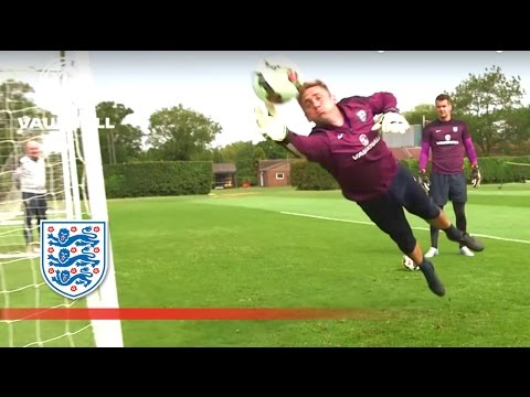 Joe Hart & England GK reaction practice | Inside Training