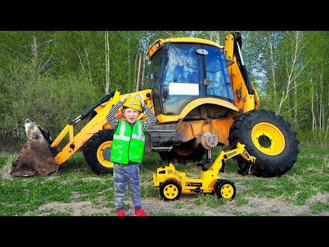 Сеня ремонтирует Сломанные Тракторы и Машинки