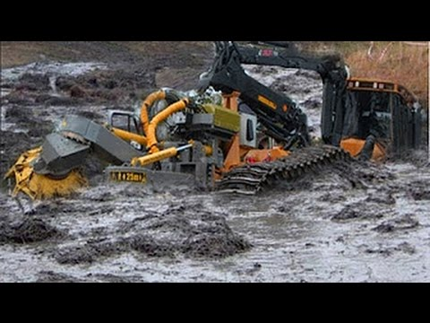 Техника принимает грязевые