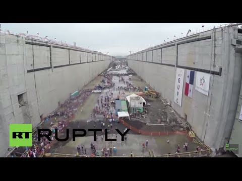 Panama: Thousands of visitors flood Canal expansion project