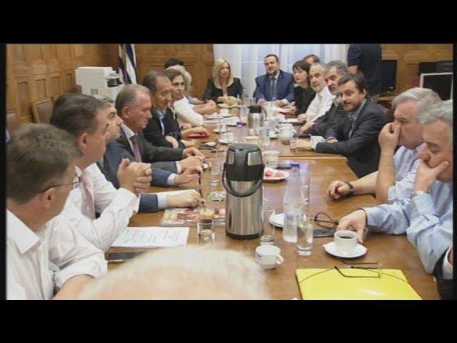 <span class='as_h2'><a href='https://webtv.eklogika.gr/synedriasi-tis-ko-toy-kinimatos-allagis' target='_blank' title='Συνεδρίαση της ΚΟ του Κινήματος Αλλαγής'>Συνεδρίαση της ΚΟ του Κινήματος Αλλαγής</a></span>