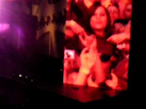 """AC/DC """"You Shook Me All Night Long"""" Au Stade De France Le 18 Juin 2010"""
