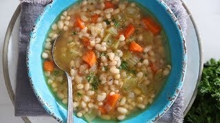 Mom&#39s Navy White Bean Soup