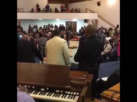 Marvin sapp & Curtis Lindsey on organ 2016 #must see share!!!