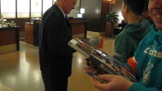 Bob Griese signs autographs for The SI KING  11-30-14