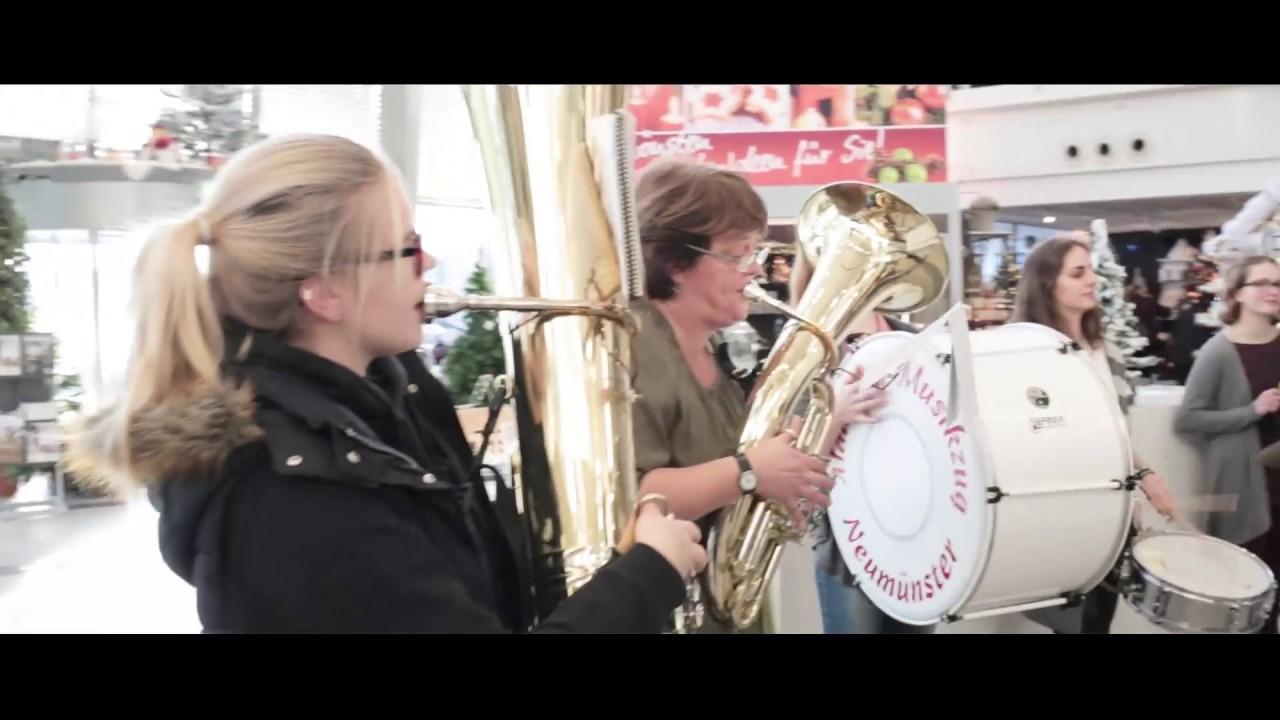 m bel br gge flashmob 16 12 17 m dchen musikzug neum nster youtube