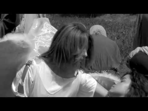 Trailer do filme Menina Santa