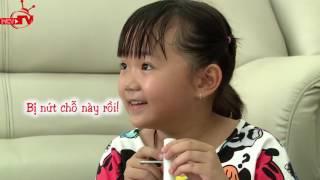 Quang Bảo hài hước cùng bé chế nhạc cụ từ ống nước.