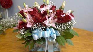 So erstellen Sie ein Blumenarrangement in einer box