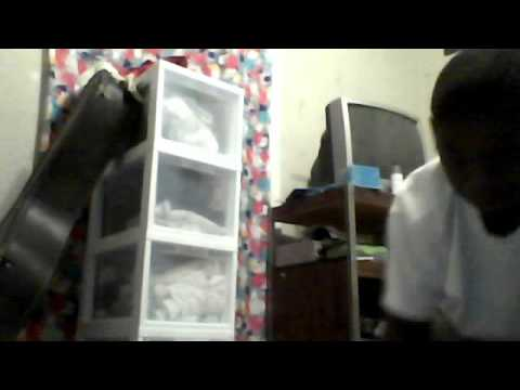 lela2216's Webcam Video from March 29, 2012 06:15 PM