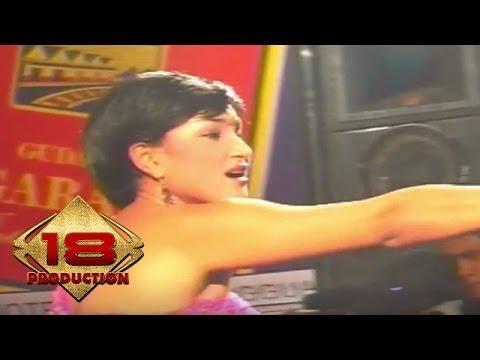 Rita Hasan - Kuda Lumping   (Live Konser Batam 05 November 2005)
