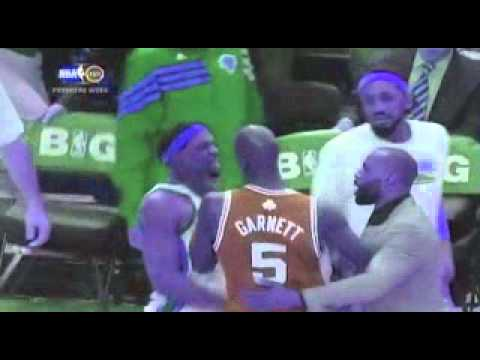 Kevin Garnett Choke: Celtics Star Misses Shot Then Puts Hand To Throat Of Knicks Player VIDEO