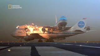 Kołujący samolot wjechał na zajęty pas startowy! [Katastrofa w przestworzach]