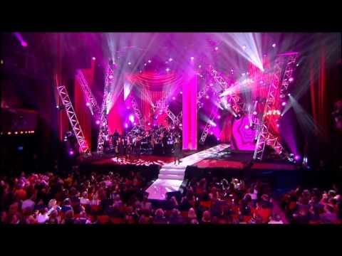 """Amel Bent - """"Où je vais"""" - Fête de la Chanson Française 2010"""