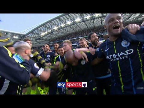 Manchester City celebrate winning the 2018/19 Premier League title! 🏆