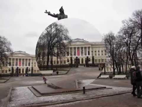 Памятник АС Пушкину на площади Искусств в Санкт Петербурге