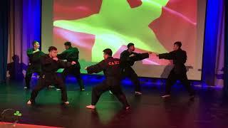 Biểu diễn võ thuật của sinh viên trường Nội Vụ