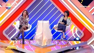 Büşra & Evrim sitting with crossed legs