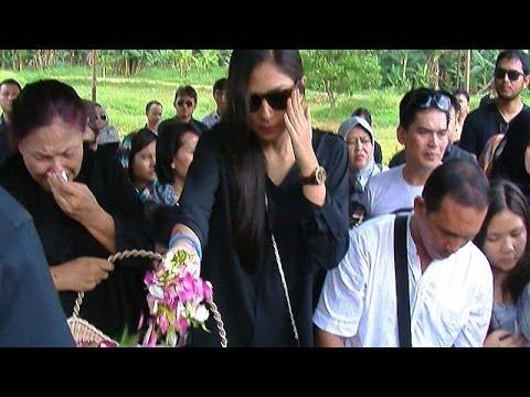 Ayahanda Jessica Mila Meninggal Dunia - Was Was 05 Mei 2014