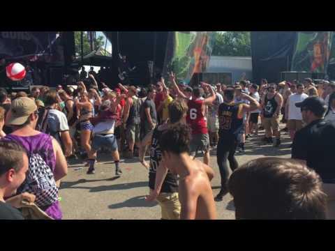 Cuyahoga Falls Warped Tour 2017 Mosh Pits