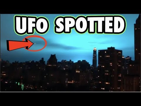 Blue Sky In NYC - UFO SPOTTED!!!