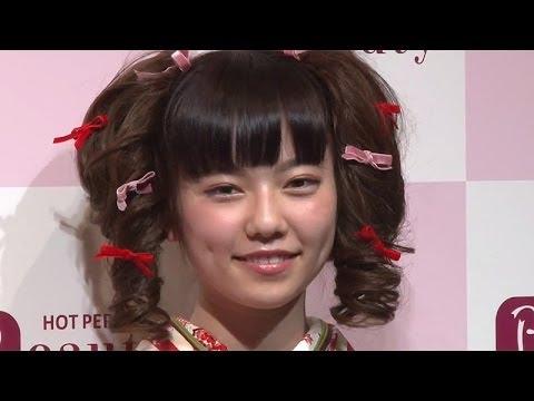 ぱるる...記者から「眠たい?」に「おきてますよー!」 AKB48