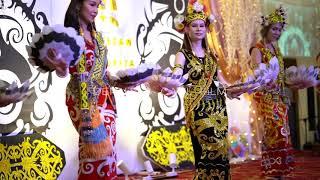 Ngajat Iban & Ngajat Kenyah. Iban & Kenyah Traditional Dance Ba Borneo Sarawak