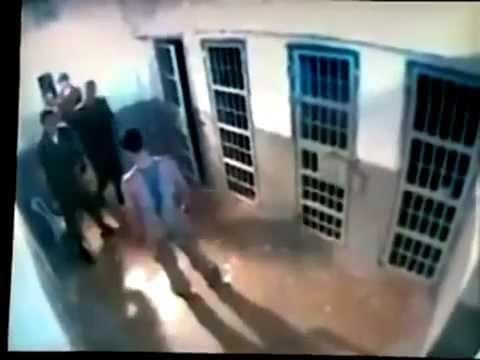 Драка в тюрьме на скрытую камеру