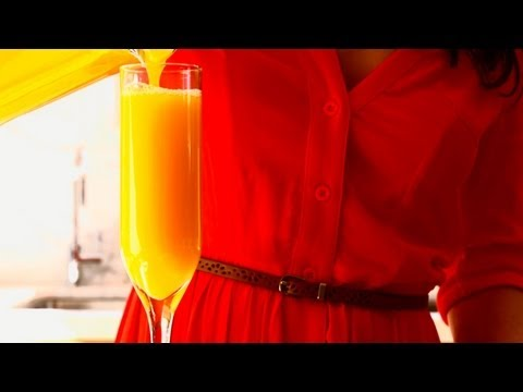 How To Make A Mimosa - You're Doing It All Wrong