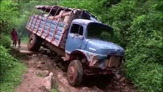 Truc de Malade : Le Vieux Titan - INCREVABLE & SANS FREINS ! (Madagascar)
