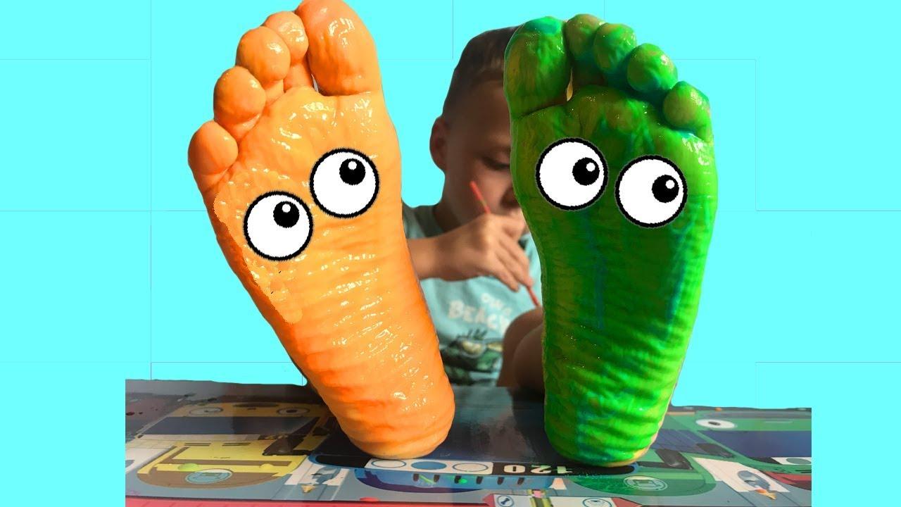 Назар Покрасил ножки! Учим Цвета с Красками для Детей ...