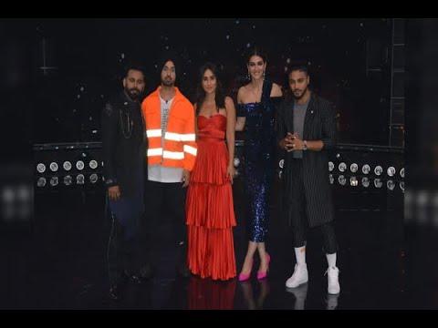 Kareena Kapoor looks breathtaking in high slit orange dress during shoot Mp3