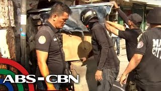 TV Patrol: Kapitana at kagawad, nagbangayan dahil sa 'barangay hall on wheels'