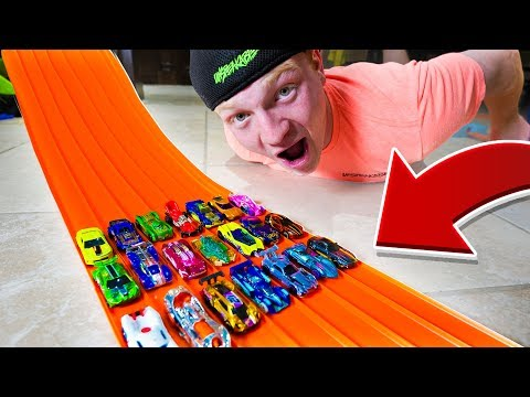 1ST CAR TO THE FINISH WINS! HOT WHEELS RACE!