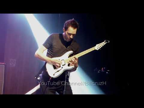 Amazing Guitar Solo - PAUL GILBERT - Chile 26-08/2017#Live