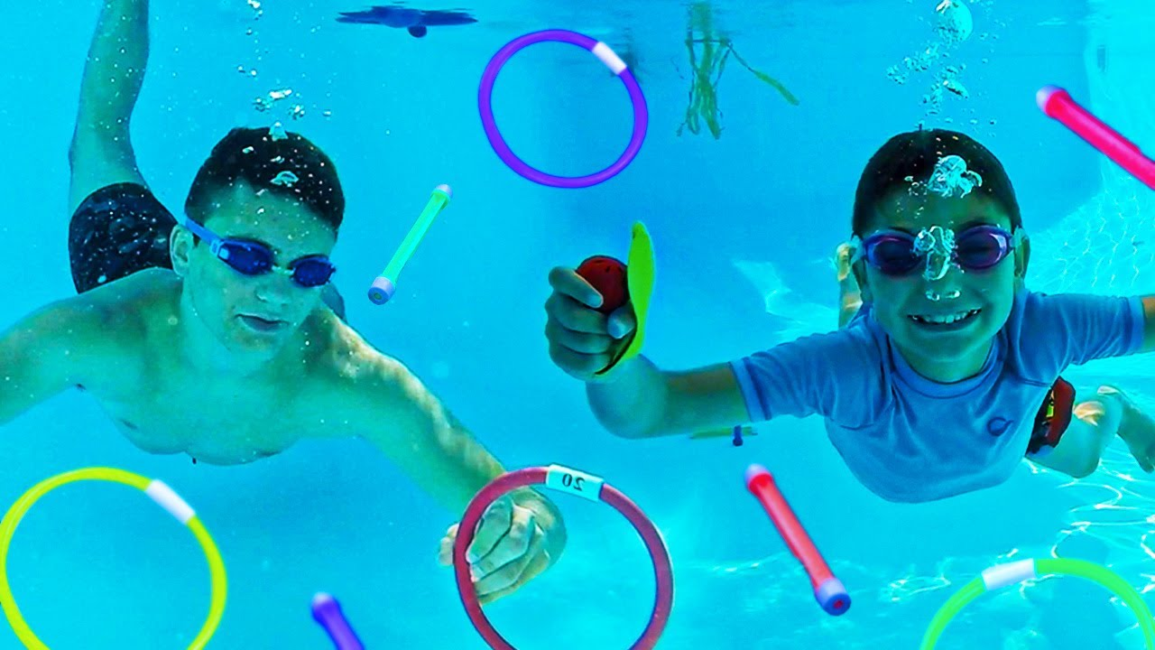 NE JAMAIS CHOISIR LE MAUVAIS OBJET DANS LA PISCINE ! (Underwater Challenge)