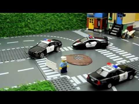 Course poursuite dans la boue voiture de police ...