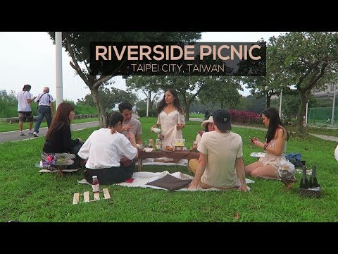 Riverside Picnic | TAIPEI CITY, TAIWAN